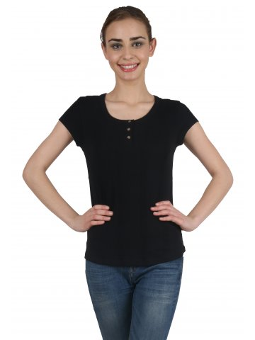 Levis Black Top at cilory