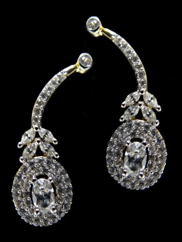 https://static6.cilory.com/121000-thickbox_default/american-diamond-earring.jpg