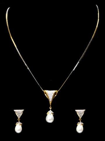 https://d38jde2cfwaolo.cloudfront.net/123894-thickbox_default/elegant-women-necklace.jpg