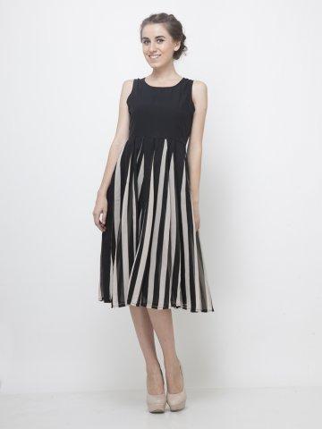 https://static4.cilory.com/140502-thickbox_default/yoshe-stylish-black-dress.jpg