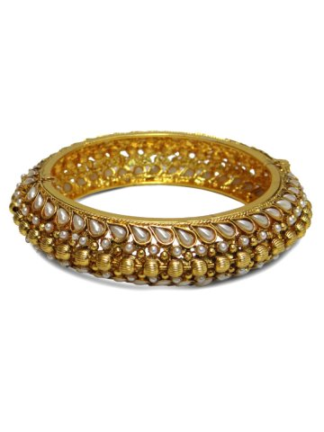 https://static4.cilory.com/141648-thickbox_default/elegant-traditional-bangles.jpg