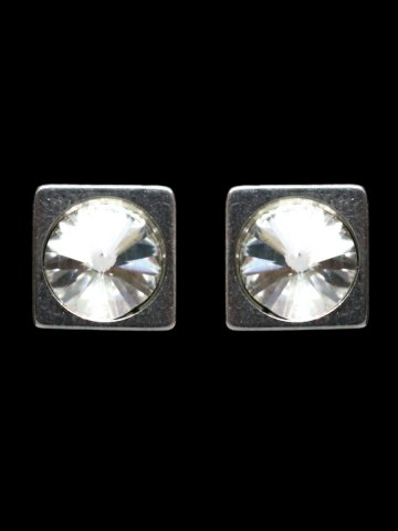 https://static9.cilory.com/156659-thickbox_default/beautiful-women-s-earrings.jpg