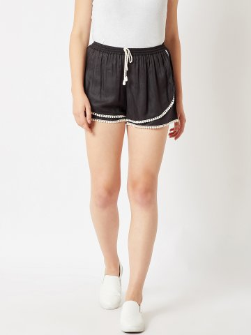 https://static3.cilory.com/351019-thickbox_default/estonished-black-shorts-with-lace.jpg