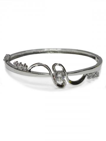 https://static3.cilory.com/73483-thickbox_default/archies-women-bracelet.jpg
