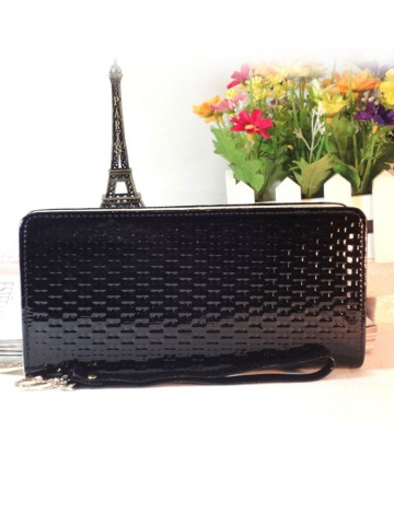 https://d38jde2cfwaolo.cloudfront.net/81783-thickbox_default/no-logo-woven-embossed-long-wallet-hand-bag.jpg
